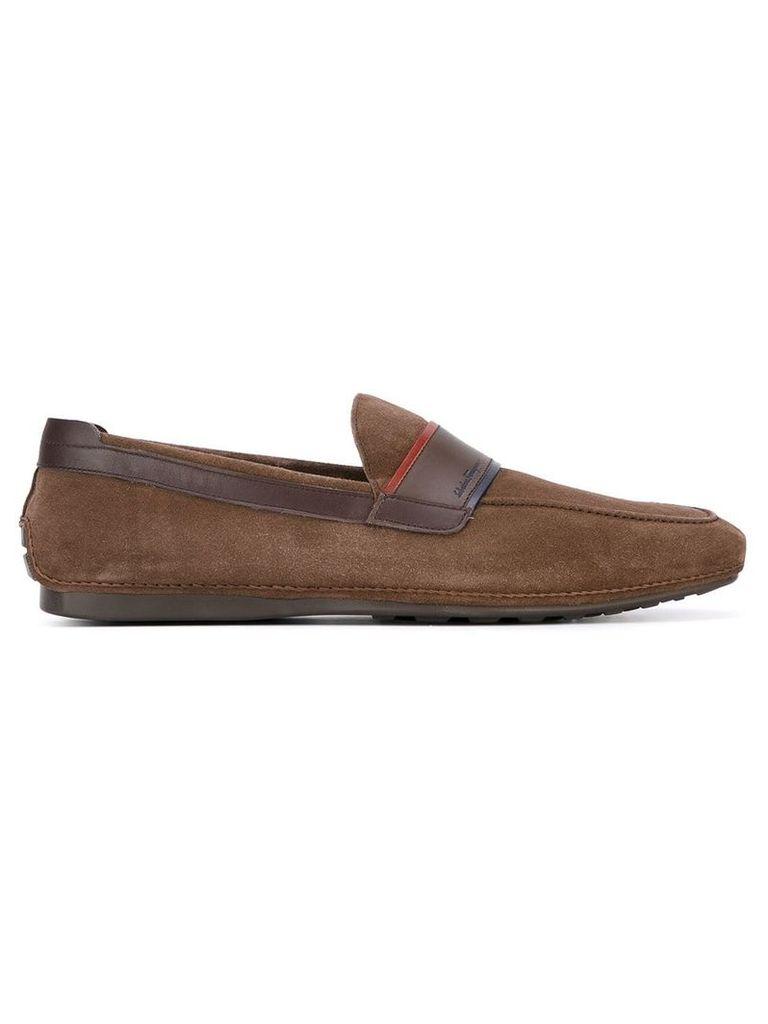 Salvatore Ferragamo contrast trim loafers - Brown