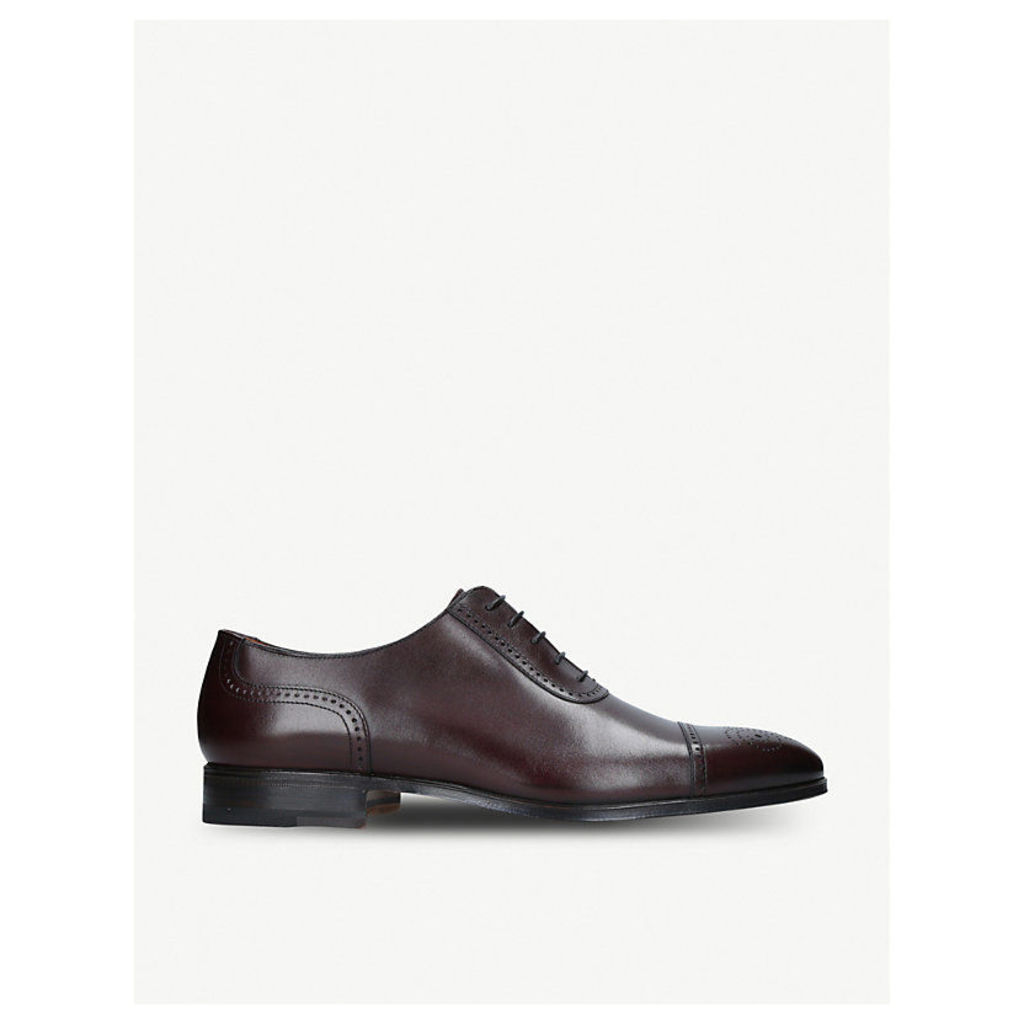 Chisel Punch Toe Oxford shoes