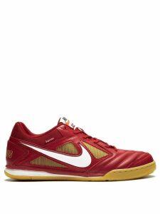 Nike Supreme x Nike SB Gato QS sneakers - Red