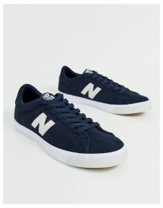 New Balance 210 trainers in navy