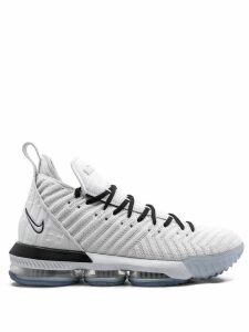 Nike Lebron 16 sneakers - White