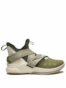 Nike Lebron Soldier 12 sneakers - Green
