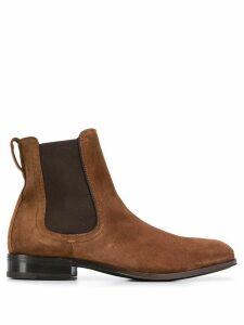 Salvatore Ferragamo classic chelsea boots - Brown