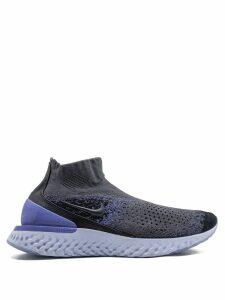 Nike Rise React Flyknit sneakers - Grey