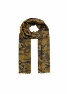 Camo-print scarf