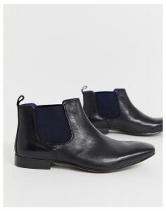 Silver Street Chelsea Boot with Contrast Gusset in Black