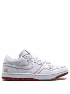 Nike court force low sneakers - White