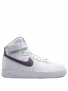 Nike Air Force 1 07 LV8 sneakers - White
