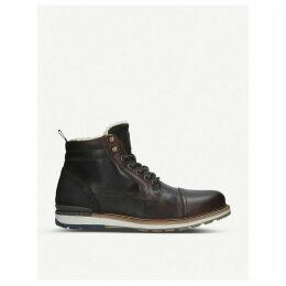 Legirelian leather boot